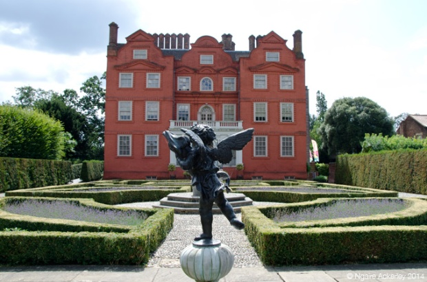 Queens Garden and Kew Palace