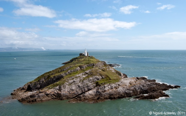 Lighthouse along the Mumbles, Wales