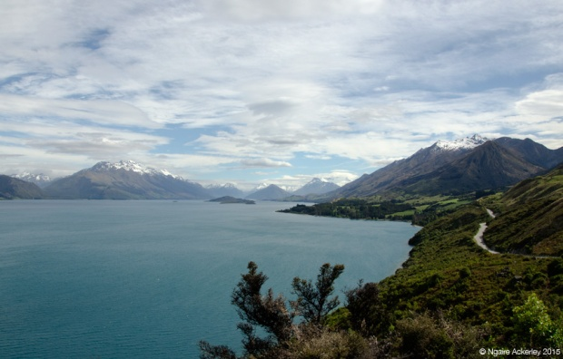 Road around Lake Wakatipu to Glenorchy
