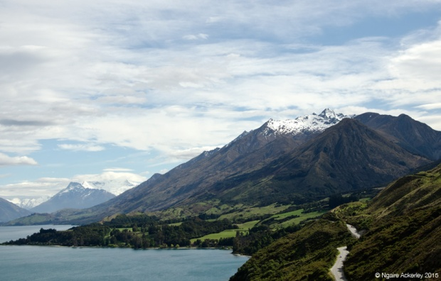 Road around Lake Wakatipu