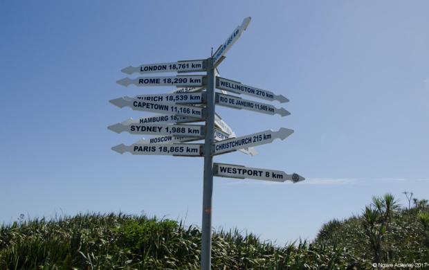 Signage, Tauranga Bay