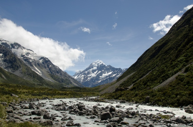 Aoraki Mount Cook - getting closer