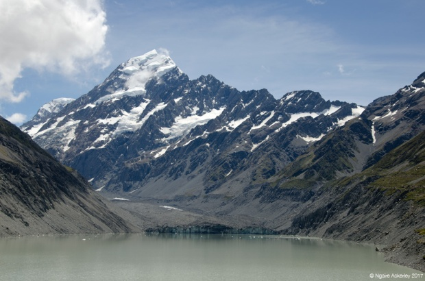 Hooker Lake with Aoraki Mount Cook