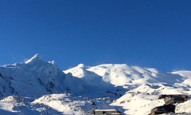 Bluebird day at Whakapapa skifield
