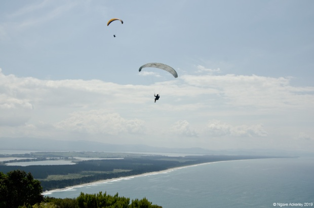 Paragliders, Mount Maunganui